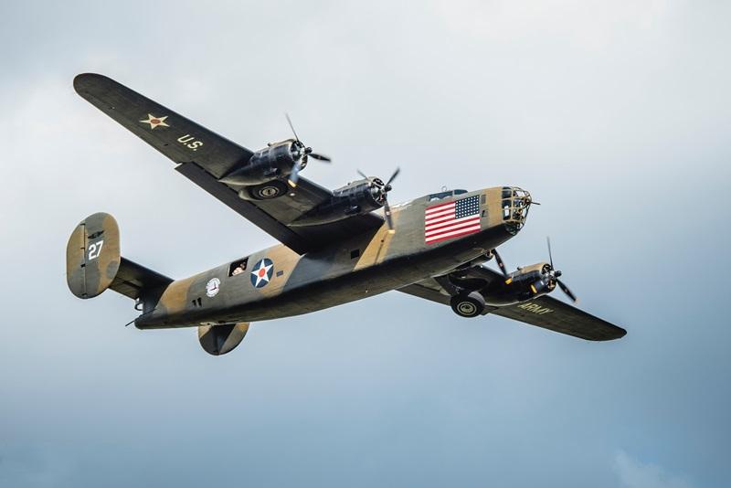 B-24_Liberator__Diamond_Lil_