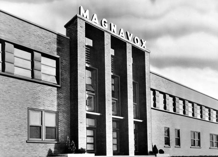 Magnavox Christmas 04